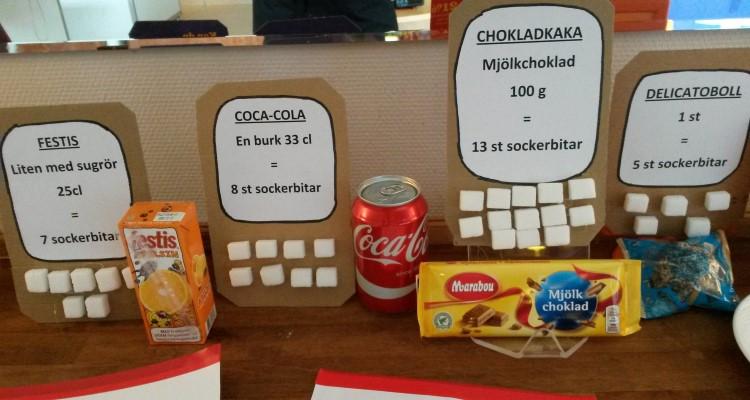 hur mycket socker finns i coca cola